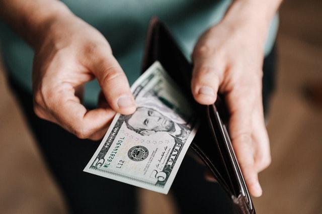 Jakiej wiedzy wymaga skuteczne zarządzanie finansami osobistymi?