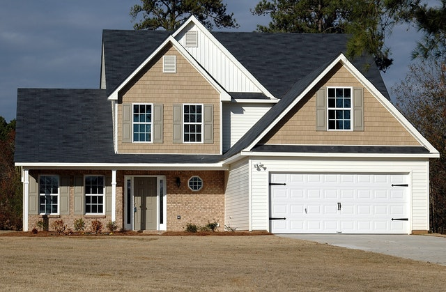 Budowa pierwszego domu